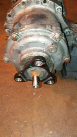 Transfer case for Mercedes Benz C280 2007 for Sale in Worcester, MA