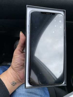 iPhone 11 unlocked for Sale in Queens, NY