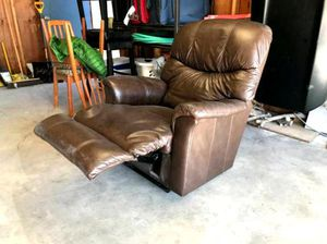 Love seat recliner for Sale in Remer, MN