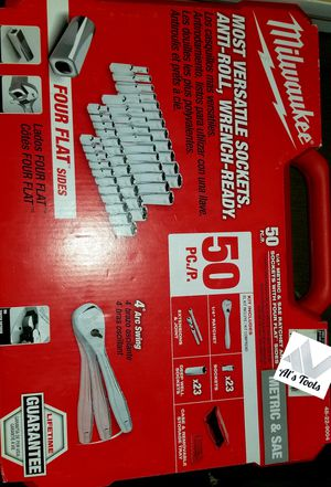 Milwaukee 50-piece 1/4 ratchet extension joints for Sale in Norwalk, CA