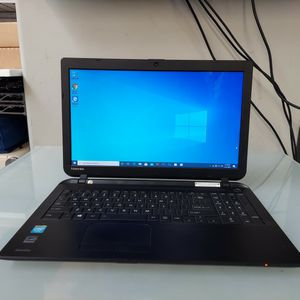 Toshiba Laptop Windows 10 for Sale in Fountain Valley, CA