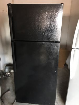Ge top freezer refrigerator for Sale in San Leandro, CA