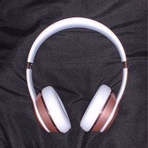 Rose Gold Beats Solo 3 for Sale in Kissimmee, FL
