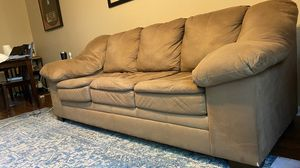 """Brown Microfiber Full length 90"""" x 38"""" Klaussner Sofa Couch for Sale in Austin, TX"""