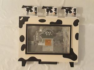 "Cows Picture Frame 8""x8"" NIB. Country, rustic, farm, home decor. Photo size 6""x4"" for Sale in Oregon, WI"