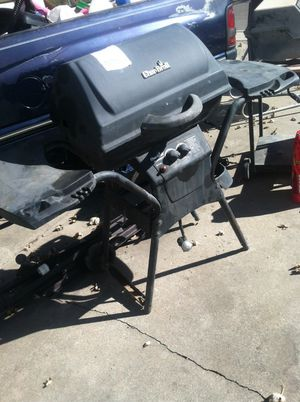 BBQ GRILL. Only asking $25. Missing 3 wheels for Sale in Albuquerque, NM