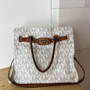 Authentic Michael Kors Satchel Bag for Sale in Mundelein, IL