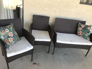 4 peace patio furniture for Sale in Victorville, CA
