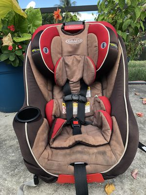 Used Graco Headwise Mysize Convertible Car Seat for Sale in West Palm Beach, FL