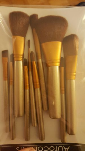 Makeup brush set for Sale in Washington, DC