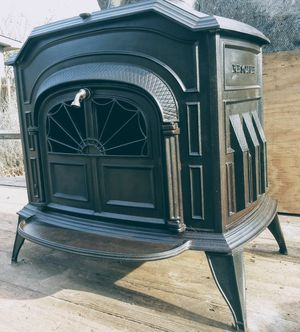 1979 Resolute Vermont Casting wood burning stove for Sale in Newalla, OK