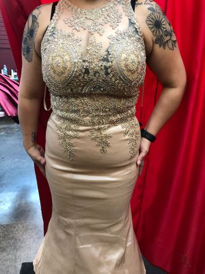 Dress up dress used for daughter's quinceanera AKA sweet 16 for Sale in Saginaw, TX