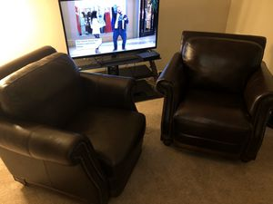 Beautiful comfy brown leather chairs for Sale in Evesham Township, NJ