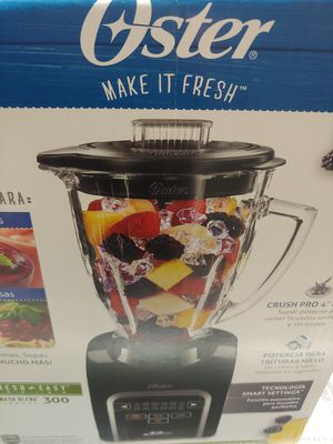 """Blender : oster 12 speeds 6 cup glass jar 700 Power watts all metal drive 2-ounce filler cap crush pro 4"""" blade for Sale in South Gate, CA"""