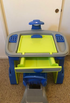 Kids art/desk table for Sale in Madera, CA