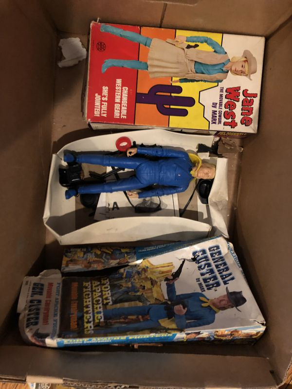 Vintage buck kin toy characters with boxes