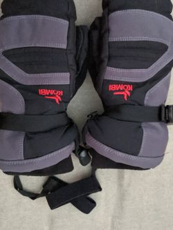 KOMBI YOUTH STORM CUFF SKI MITTENS. XL. for Sale in Livonia,  NY