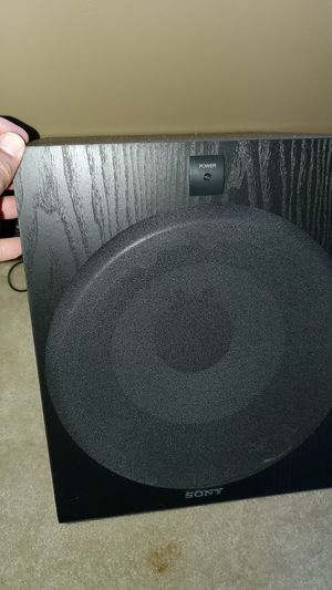 2011 only receiver and Sony subwoofer for Sale in Germantown, MD
