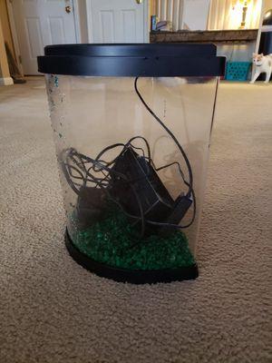 3.5 gallon fish tank for Sale in Harrison, OH