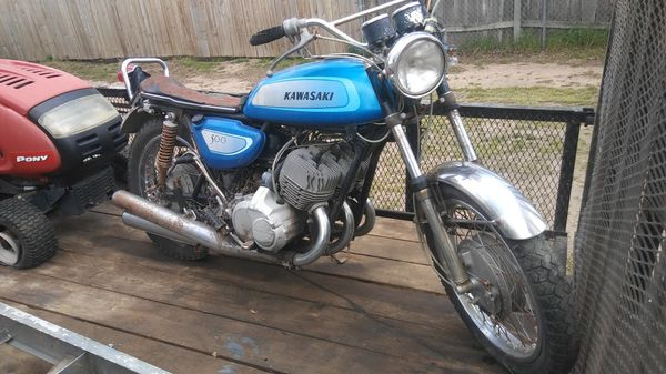Old motorcycle 4 wheeler dirt bike or moped. I buy them