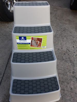 Dog Steps holds up to 70 lb for Sale in Woodbridge, VA