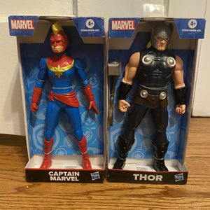 """Thor And Captain Marvel Has to Action Figure 9"""" for Sale in Chicago, IL"""
