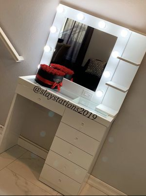 Makeup Vanity for Sale in Riverside, CA