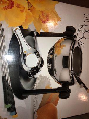 New fondue machine studio nova - Valentines gift idea for Sale in Bonita, CA
