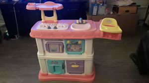 Girls Fisher Price Kitchen // 2 Adjustable heights!! for Sale in Baldwin Park, CA