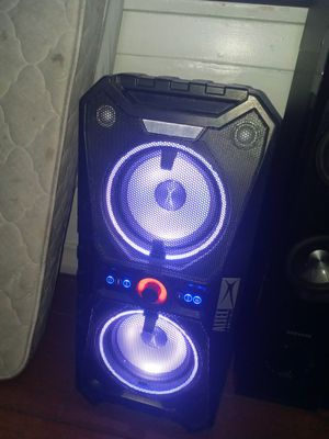 Bluetooth speaker for Sale in Huntington Park, CA