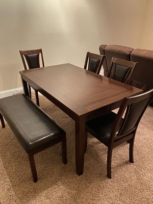 Dining Set (1 table+4 chairs+1 bench) for Sale in Warner Robins, GA