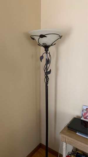Standing lamp for Sale in Eastlake, OH