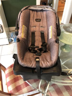 Evenflo infant car seat and base for Sale in Luling, LA