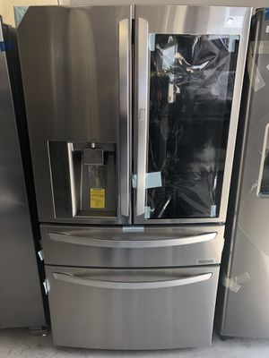 LG 30 cu ft instaview fridge. Over 4000 msrp.. new with warranty. for Sale in Houston, TX