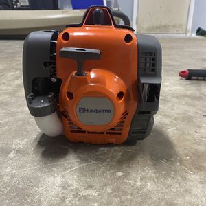 Husqvarna 129L Weed Eater for Sale in Edgewater, FL