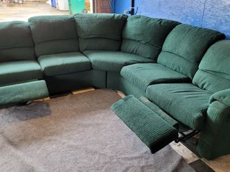 Very Good Sectional Couch for Sale in Renton,  WA