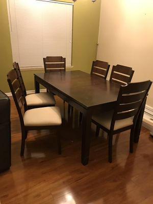Dinning Table for Sale in Mill Creek, WA