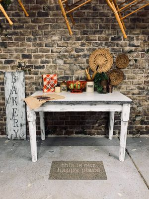 1900's Vintage Farmhouse Porcelain Top Kitchen / Dining Table, Distressed White! for Sale in Joliet, IL