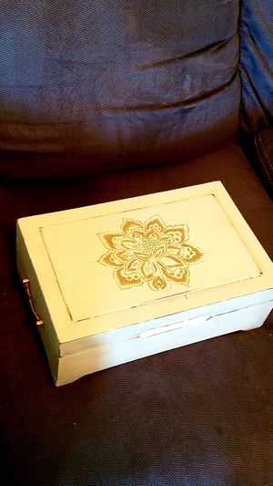 Table top jewelry box for Sale in Lumberton, TX