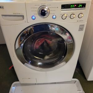 Lg Front Load Washer for Sale in Lebanon, PA