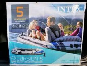 NEW Intex Excursion 5 Inflatable Boat w/ Oars for Sale in Aurora, IL