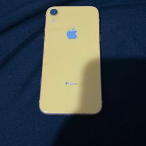 iPhone XR Yellow 128 GB Unlocked for Sale in Humble, TX