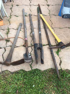 Pick axe /shovel pico pala es tractor de tierra y barreta for Sale in Miami Gardens, FL