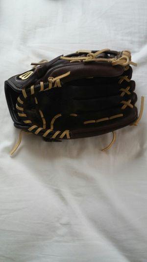 Baseball glove for Sale in McKeesport, PA