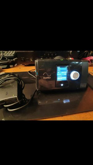Resmed CPAP machine low hours , fully functioning but missing hoses, side cover, and masks. Includes power supply and carrying case for Sale in Tempe, AZ
