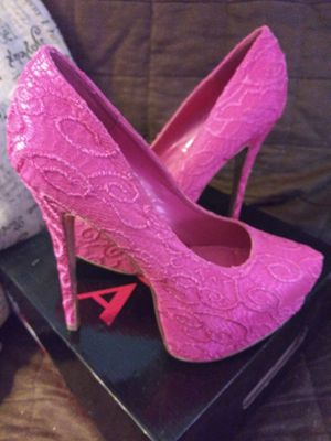 "####·ALBA· HOT-PINK (Disco-Teck) Raised Embossed DESIGNER 6"" High HEEL Shoes#### for Sale in Miami, FL"