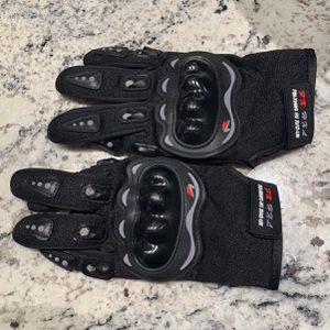 Brand new Motorcycle Gloves for Sale in Phoenix, AZ
