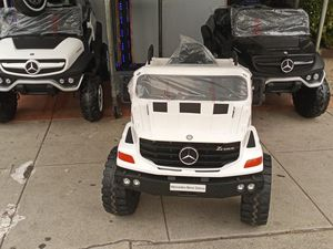 License 12V Mercedes-Benz Zetros Kids Ride On Car Off Road Truck with Remote Control for Sale in Long Beach, CA