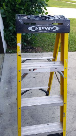 WERNER LADDER 4FT for Sale in Boca Raton, FL