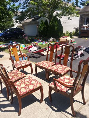 6 kitchen table chairs for Sale in Hilliard, OH